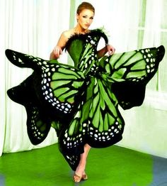 Butterfly Fashion, Butterfly Dress, Monarch Butterfly, Green And Orange, Shades Of Green, Nice Dresses, Prom Dresses, Fairy Dress, Green Fashion