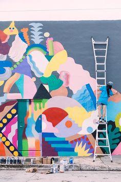 Colorful abstract mural (Zosen x Mina Hamada in Miami) Murals Street Art, Graffiti Murals, Street Art Graffiti, Miami Street Art, Mural Painting, Mural Art, Wall Art, Art Et Design, Garden Mural