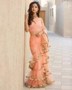 Indian Designer Heavy Saree Fancy Look Bollywood Sari Blouse Party Wear Wedding Trendy Sarees, Fancy Sarees, Party Wear Sarees, Bollywood Designer Sarees, Bollywood Saree, Bollywood Fashion, Bollywood Actress, Saree Draping Styles, Saree Styles