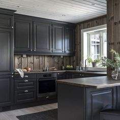Cabin Interior Design, Rustic Bedroom Design, Cottage Design, Kitchen Interior, New Kitchen, Kitchen Dining, Kitchen Cabinets, Villa Design, Küchen Design