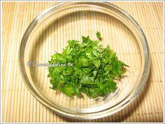 Ciorba radauteana Oriental, Seaweed Salad, Herbs, Ethnic Recipes, Food, Fine Dining, Herb, Meals, Yemek