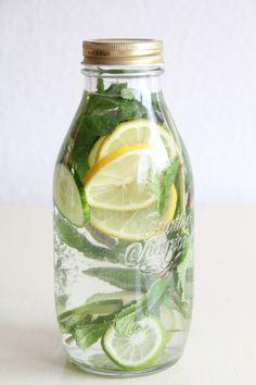 Pfefferminz-Zitronen Detox-Limonade