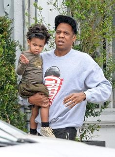 the.LIFE Candid:  Jay-Z And Blue Ivy In Miami