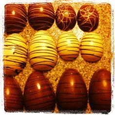 Easter eggs/ huevos de Pascua