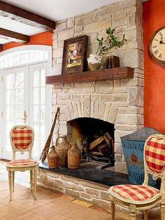 Awesome Farmhouse Fireplace Design Ideas To Beautify Your Living Room – Page 17 – Home Decor Ideas French Country Fireplace, Old Fireplace, White Fireplace, French Country Living Room, Rustic Fireplaces, Farmhouse Fireplace, Fireplace Remodel, Fireplace Design, Farmhouse Chic