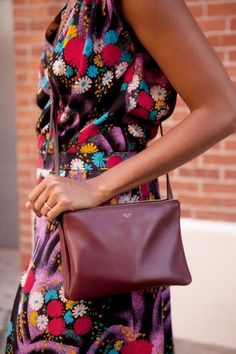 this reminds me of my grandmother's vintage purse i now use allllll the time :)