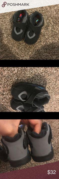 Toddler black Jordan's size 7 Toddler black Jordan's size 7 some wear Jordan Shoes Sneakers