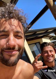Daniel Ricciardo, Honey Badger, F1 Drivers, Room Pictures, F1 Racing, Wallpaper Ideas, Formula One, Boyfriend Material, Beautiful Boys