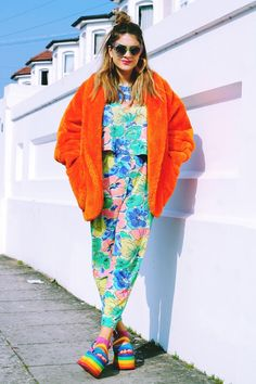 kitsch style | 90s 80s inspired | street style inspiration | colorful outfit