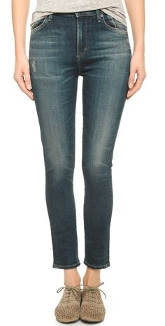 Cropped jeans with oxfords