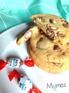 Des cookiesmoelleux et gourmands aux oeufs Kinder Schoko-Bons®pour le mois d'Avril, c'est idéal pour Fêter Pâques ou recycler les oeufs en chocolat non mangés !