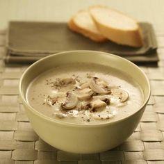 Hjemmelaget suppe med sopp og potet - http://www.matbok.no/hjemmelaget-suppe-med-sopp-og-potet/