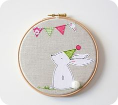patchwork posse blog, I adore this bunny and bunting. It is to BUY, so not freebie, but for my ogling purposes only! he he xox