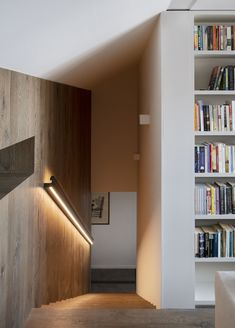 Wood stairs with lighting - Wood cladded walls - Rail with lighting - Valentine Bärg Architectures Wall Railing, Interior Architecture, Interior Design, Stair Lighting, Wood Stairs, Shelves, Ceiling Lights, Walls, Home Decor