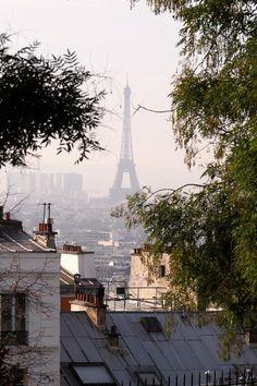 Paris, France                                                                                                                                                      Mehr