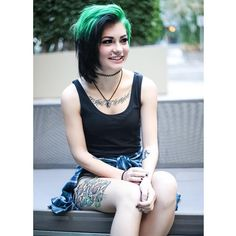 ::Shannon Taylor::Hey there! I'm Shannon. I'm 19 and single. I'm a youtuber and from mde. Um..come say hi?