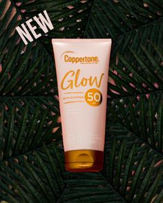 Are you ready to glow? Try new Coppertone Glow sunscreen – the perfect combination of sun protection with the right amount of shimmer for a beautiful glow ✨✨ Best Face Foundation, Herbalife Shake Recipes, Creative Video, Sun Protection, Beauty Packaging, Beauty Shots, Instagram Story Ideas, Social Media Design, Sunscreen