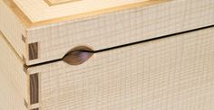 """Stefan Hoens Box - Love this """"handle"""" for the box"""