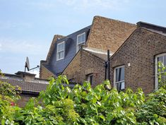 Example photos of our Mansard conversions. House Extension Design, Roof Extension, Extension Ideas, Dormer Loft Conversion, Loft Conversions, Butterfly Roof, Roofing Options, Mansard Roof, Asphalt Roof Shingles
