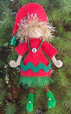 Happier Than A Pig In Mud: Craft Your Own Elf from a Bead, Pipe Cleaners and Felt-Tutorial