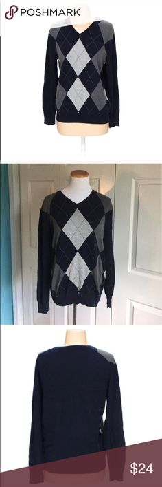 J.Crew Argyle Sweater Men's v-Neck Argyle Print Sweater From j.crew. Size small. Some minor wear, still in great condition. J. Crew Sweaters V-Neck