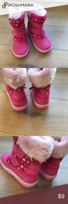 Girl snow boots Adorable girl snow boots in great condition. Minor Scuff shown in photo. Perfect for the winter season! Circo Shoes Rain & Snow Boots