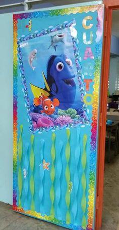 Puerta decorada de Dory de buscando a Nemo