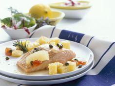 Lachsfilet mit Kapern und Kartoffeln ist ein Rezept mit frischen Zutaten aus der Kategorie Meerwasserfisch. Probieren Sie dieses und weitere Rezepte von EAT SMARTER!