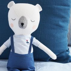 A close up of our Mr Sleepy Bear doll... yes you heard right! See our previous post for more pics of our new super cute 100% Merino wool one of a kind dolls that will be released very soon. Click the link in our bio and sign up to our VIP email list to be notified of when they go on sale (they will be released in limited numbers and our VIPs get first dibs so be quick!)  #beardoll #handmade #handmadedoll #kidsinterior #kidsdecor #dollmaker #booandbear #booandbearbaby #hellobooandbear #etsyau…