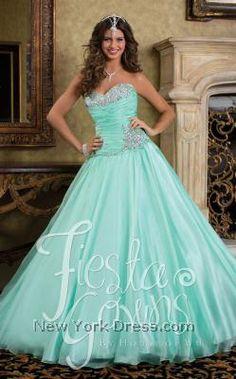 6538c05463f 169 Best QUINCEANERA DRESSES images in 2019