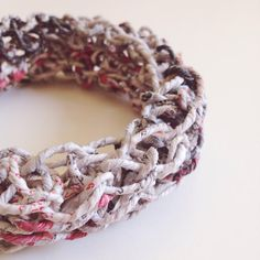Knit design // Bangle in carta filata a mano : Braccialetti di cartalana