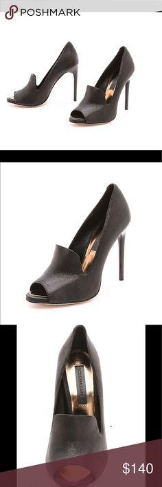 NEW BCBG Floral Peep Toe Lavender Runway Shoes Sz 6 /& 8 Avail