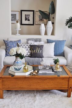 14 Ideas to Style Your Home for Spring #livingroom #livingspaces #colorfulroom