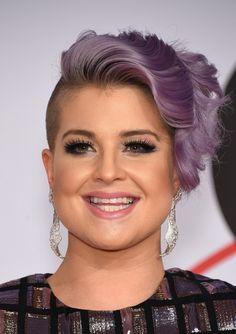 Kelly Osbourne Short Wavy Cut - Hair Lookbook - StyleBistro