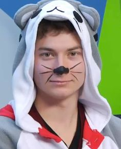 AHHHH he is soooooooo cute gg 😀 Disney Minecraft, Minecraft Outfits, Trust, Magcon Boys, Markiplier, Guys And Girls, Youtubers, Fangirl, How To Look Better