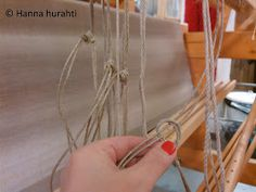 Hanna hurahti: Loimen laitto kangaspuihin Weaving, Gold Necklace, Tableware, Home Decor, Fabrics, Gold Pendant Necklace, Dinnerware, Decoration Home, Room Decor