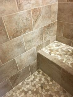 Diyers Creativity In Using Sliced Java Tan And White Pebble Tile Flooring Seat