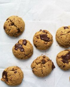 Easy Cookie Recipes // Peanut Butter-Chocolate Chunk Cookies Recipe