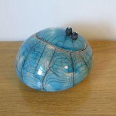 Boite à secrets en céramique - raku turquoise -