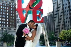 Love Park Philadelphia  Wedding Photo     www.hawkeyphoto.com