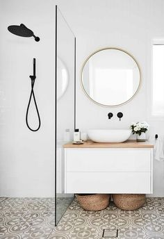 An all-white fibro beach shack with Scandi-style This home on Sydneys Northern Beaches has had a luminous makeover that suits its creative owners to a tee. The post An all-white fibro beach shack with Scandi-style appeared first on Wohnaccessoires. Laundry In Bathroom, Bathroom Interior Design, Interior, Beach Shack, Bathroom Styling, Cheap Home Decor, House Interior, Elegant Bathroom, Small Bathroom Makeover
