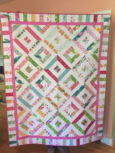 """Piano Made Easy Missouri Star Quilt Co. """"Summer in the Park"""" pattern. I added the piano key border with the left over strips! Made to raise money for Cherry Blossom Breast Cancer Foundation! I love how it turned out! Missouri Quilt Tutorials, Quilting Tutorials, Quilting Projects, Quilting Designs, Msqc Tutorials, Quilting Patterns, Quilting Ideas, Summer In The Park, Jelly Roll Quilt Patterns"""