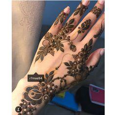 love this gulf henna style 👌 // by . Tribal Henna Designs, Modern Henna Designs, Latest Henna Designs, Floral Henna Designs, Finger Henna Designs, Mehndi Designs For Fingers, Beautiful Henna Designs, Henna Tattoo Designs, Tattoo Ideas