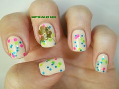 GLITTER ON MY NAILS: SAINT PATRICK'S DAY, FOUR LEAVES NATURAL CLOVER, SHAMROCK, TREBOL DE 4 HOJAS.
