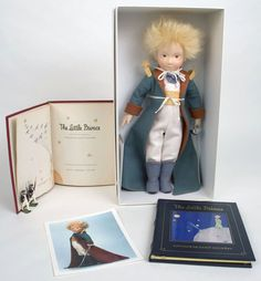 The Little Prince Grand Tour Doll, 2000. (Thanks for the picture of this treasure, Rossana!)