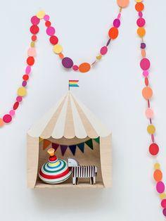 mommo design: TRENDY SHELVES - Circus shelf