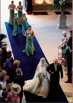 Autumn Philips's (nee Kelly) Wedding Gown Royal Brides, Royal Weddings, Wedding Bride, Wedding Gowns, Zara Phillips, Peter Phillips, Autumn Phillips, Windsor, Royal Marriage