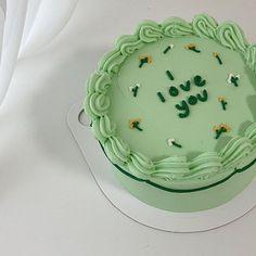 Pretty Birthday Cakes, Pretty Cakes, Green Birthday Cakes, Mini Cakes, Cupcake Cakes, Simple Cake Designs, Korean Cake, Pastel Cakes, Frog Cakes
