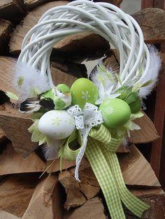 Dekorácie - Veľkonočný veniec s vajíčkami a vtáčikom - 6538208_
