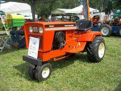 b8c37593f4f50e0d567998f4e4ad3111 antique tractors vintage tractors vintage 1968 allis chalmers hb 112 lawn tractor with attachments  at bakdesigns.co